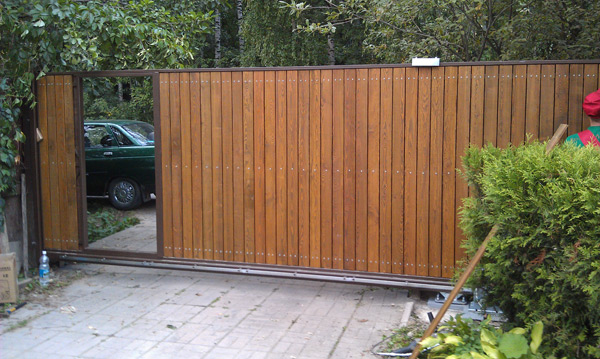 Ворота распашные с калиткой для дачи цена в Подольске